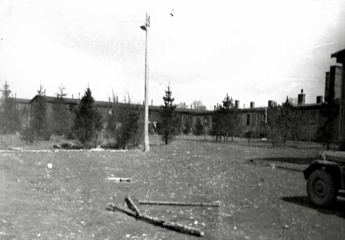 Photographie d'Ohrdruf prise par Pierre BODOT le 6 avril 1945 © AFBDK