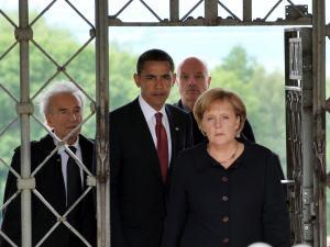 AFP_090605obama-merkel-buchenwald_g